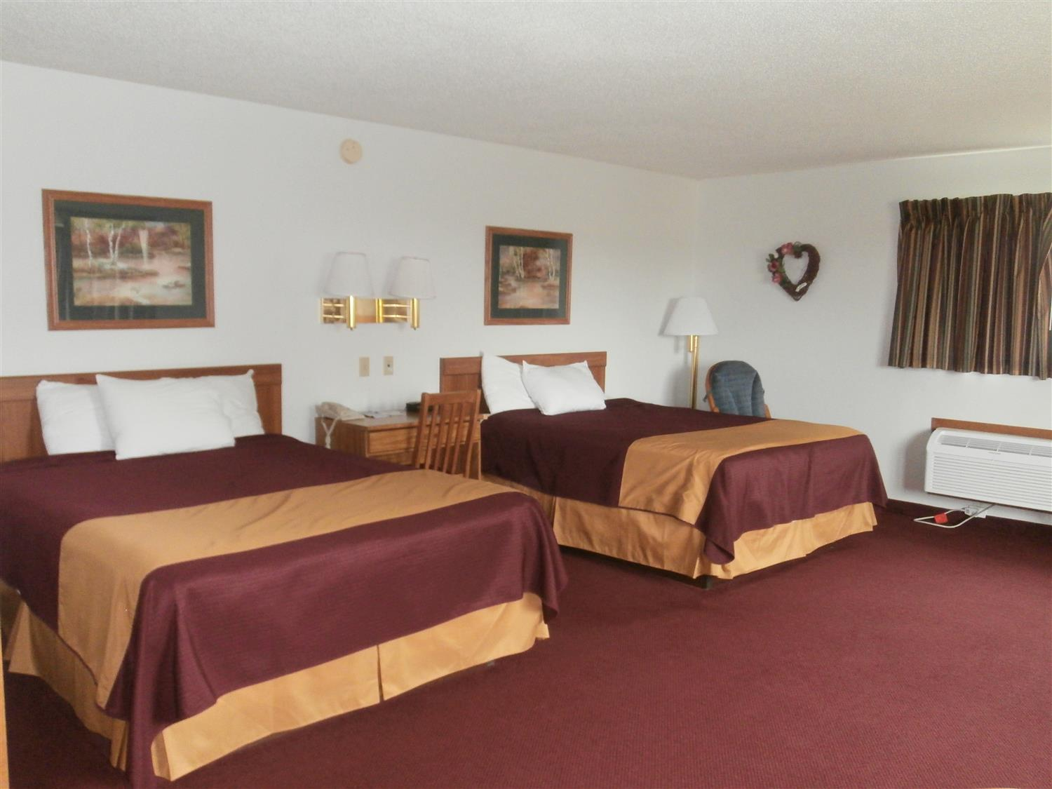Room - Americas Best Value Inn Emmetsburg