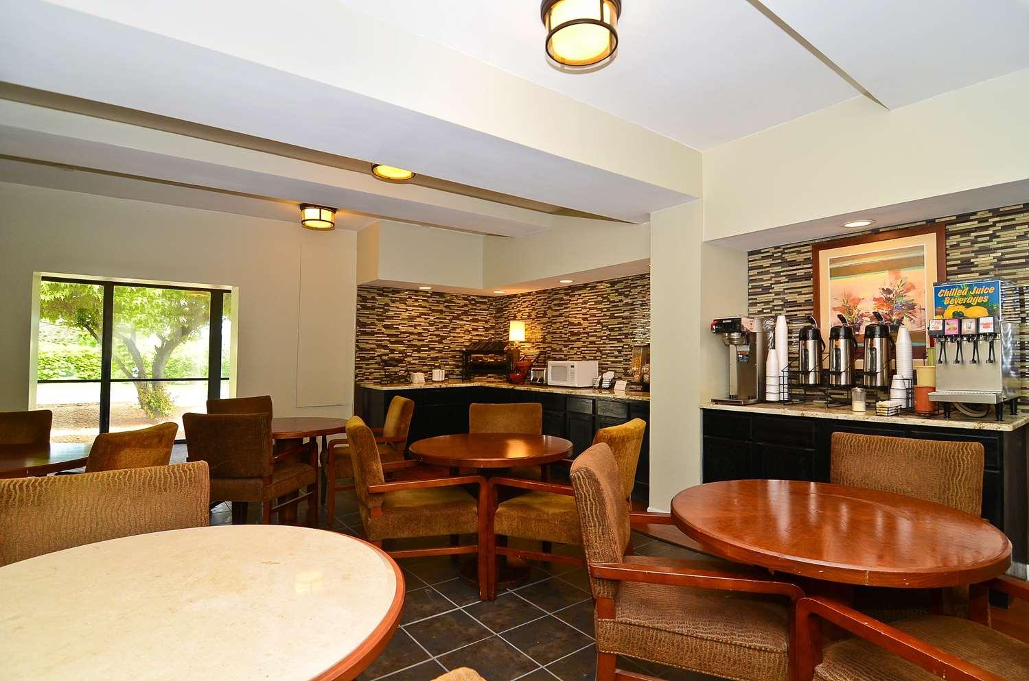 proam - Lexington Inn & Suites Elgin