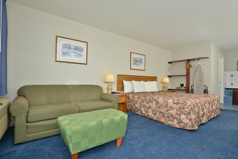 Suite - Americas Best Value Inn Marion
