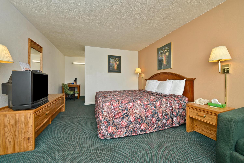 Room - Americas Best Value Inn Marion
