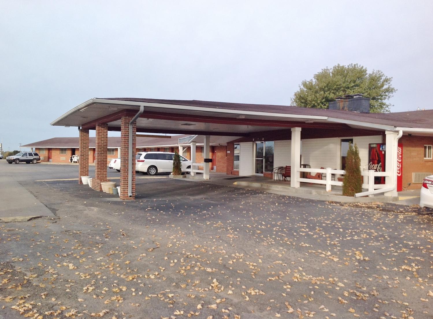 Exterior view - Americas Best Value Inn Belleville