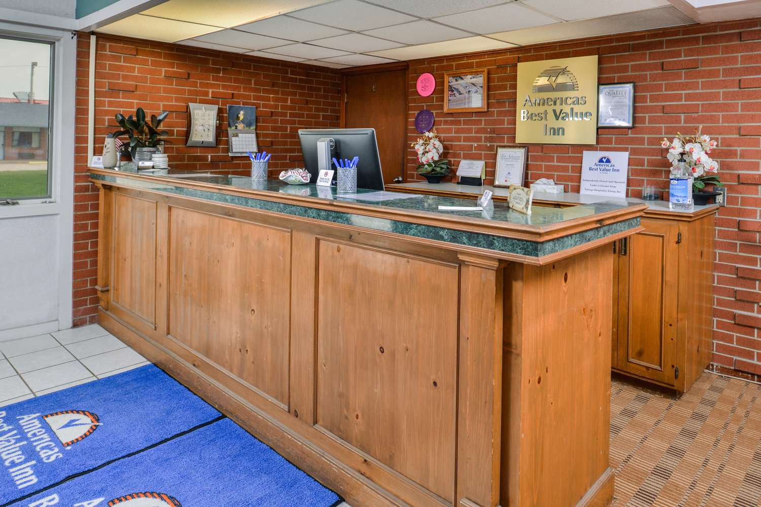 Lobby - Americas Best Value Inn Ellsworth