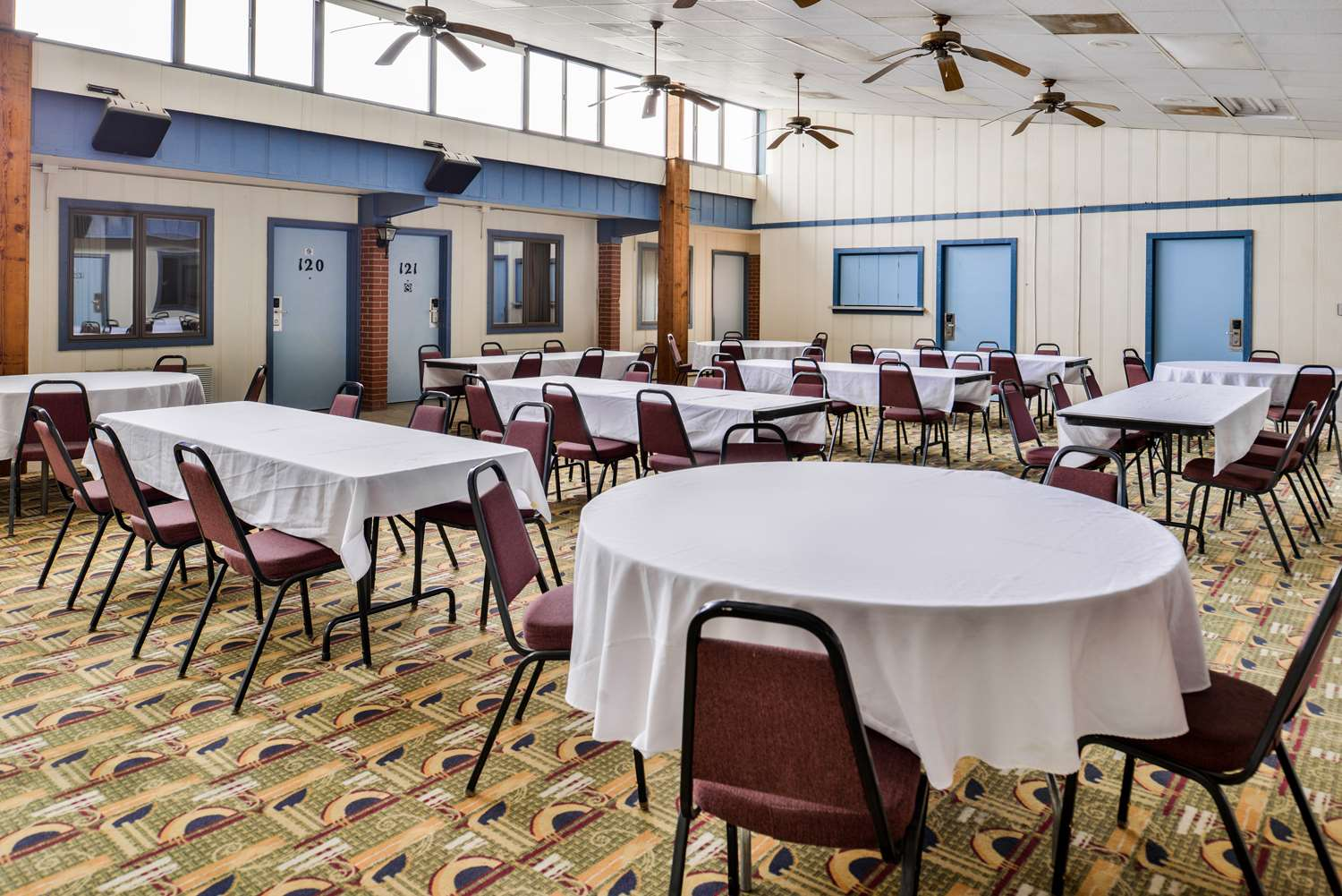 Meeting Facilities - Americas Best Value Inn Ellsworth