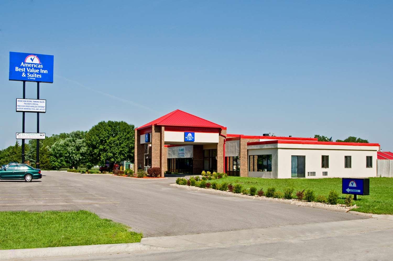 Exterior view - Americas Best Value Inn & Suites Hesston