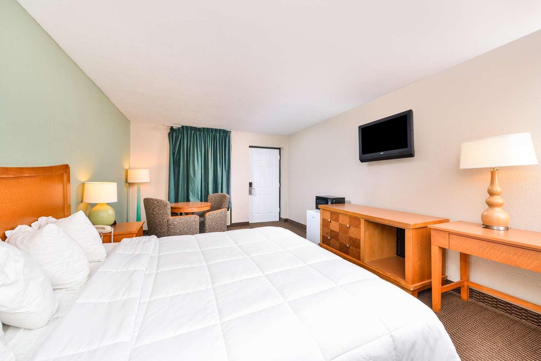 Room - Americas Best Value Inn Somerset