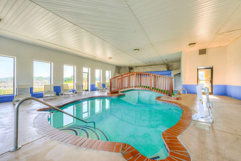 Pool - Americas Best Value Inn Somerset