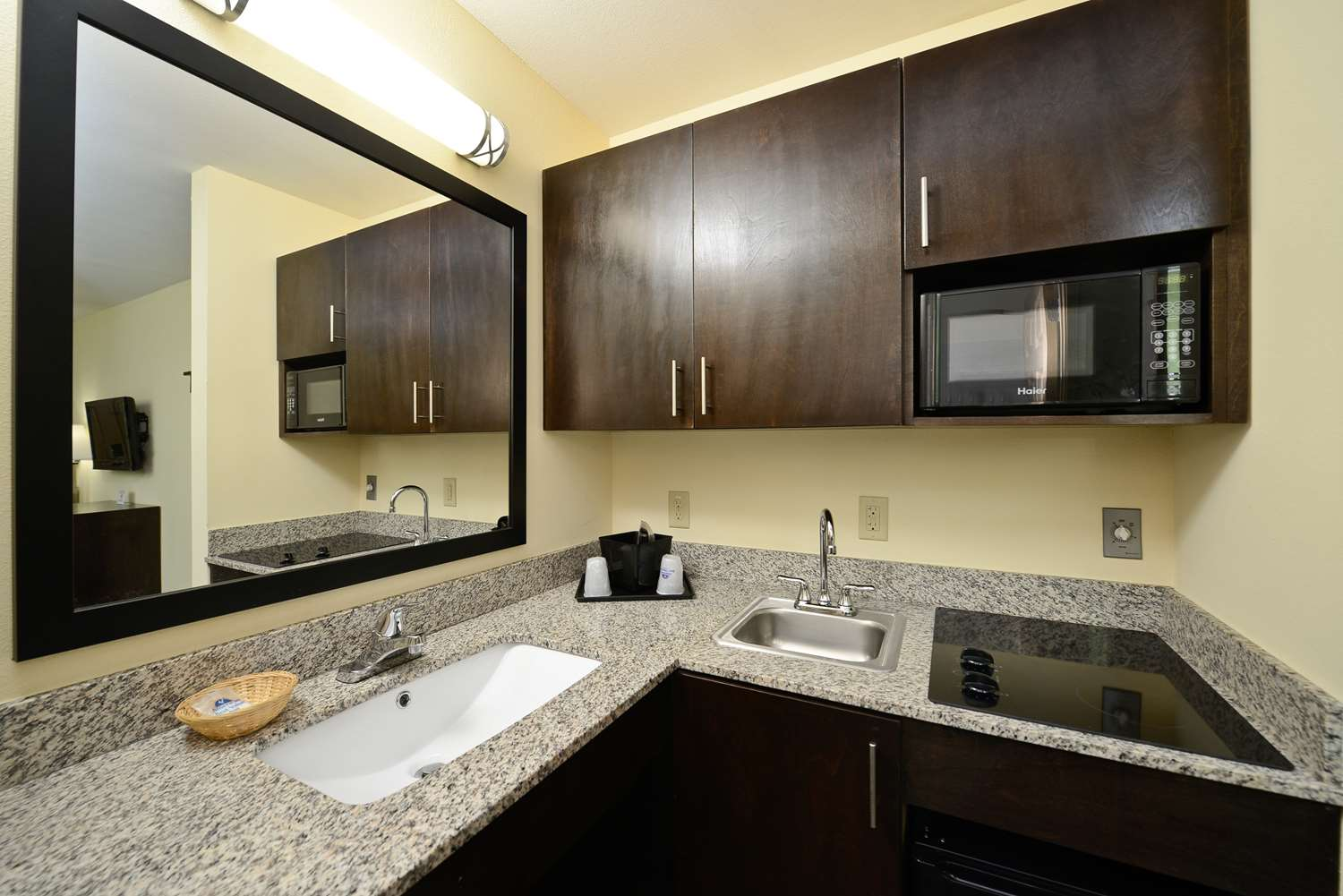Amenities - Americas Best Value Inn & Suites Broad Street Lake Charles
