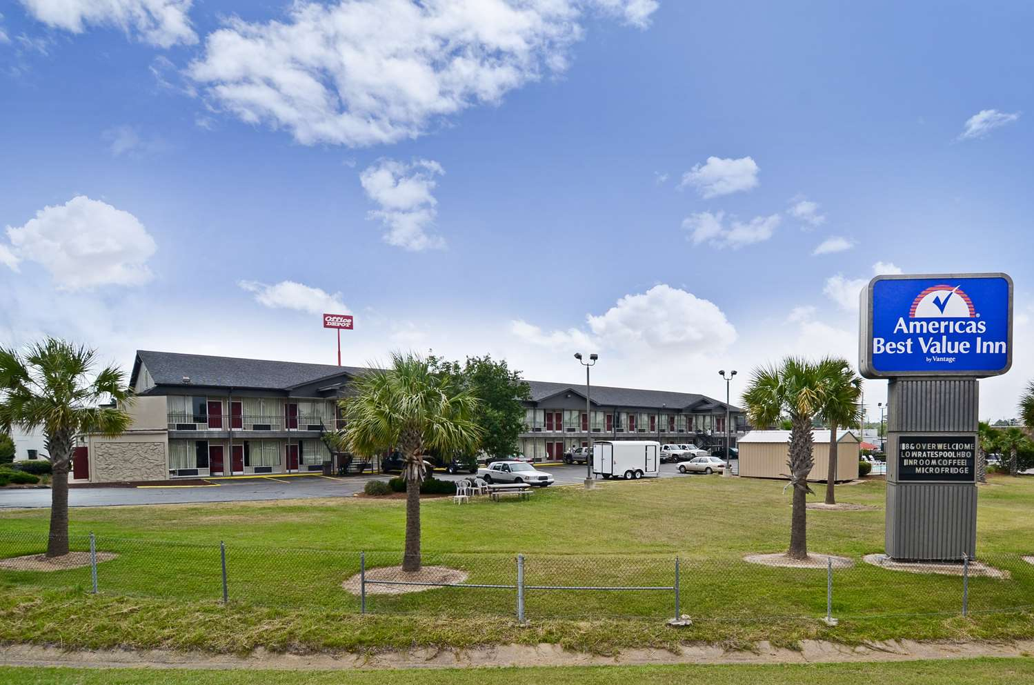 Exterior view - Americas Best Value Inn Monroe
