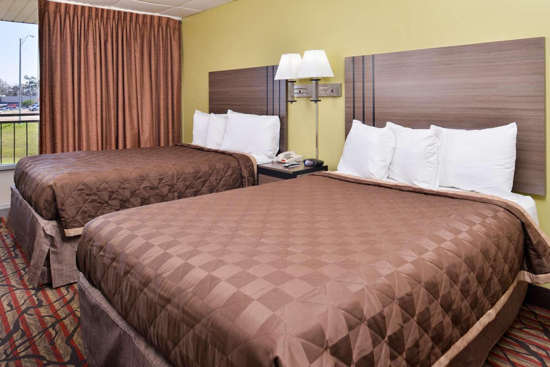 Room - Americas Best Value Inn Monroe