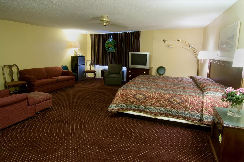 Room - Americas Best Value Inn Foxborough
