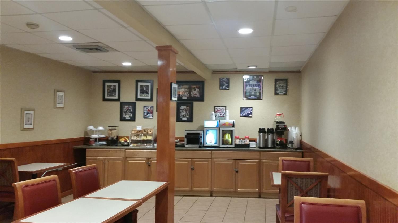 proam - Americas Best Value Inn Foxborough