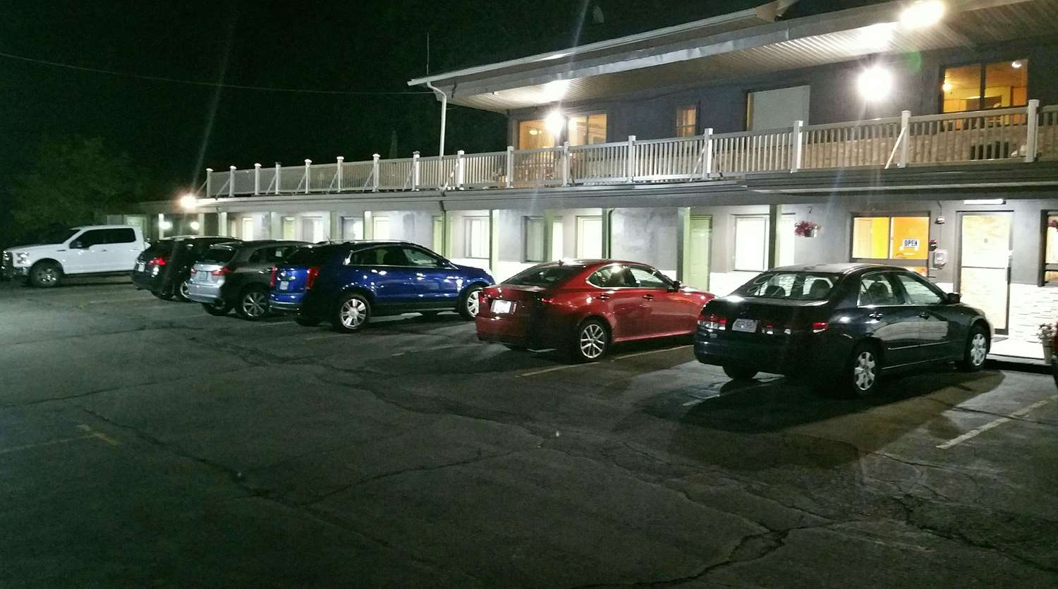 Exterior view - Americas Best Value Inn Holyoke