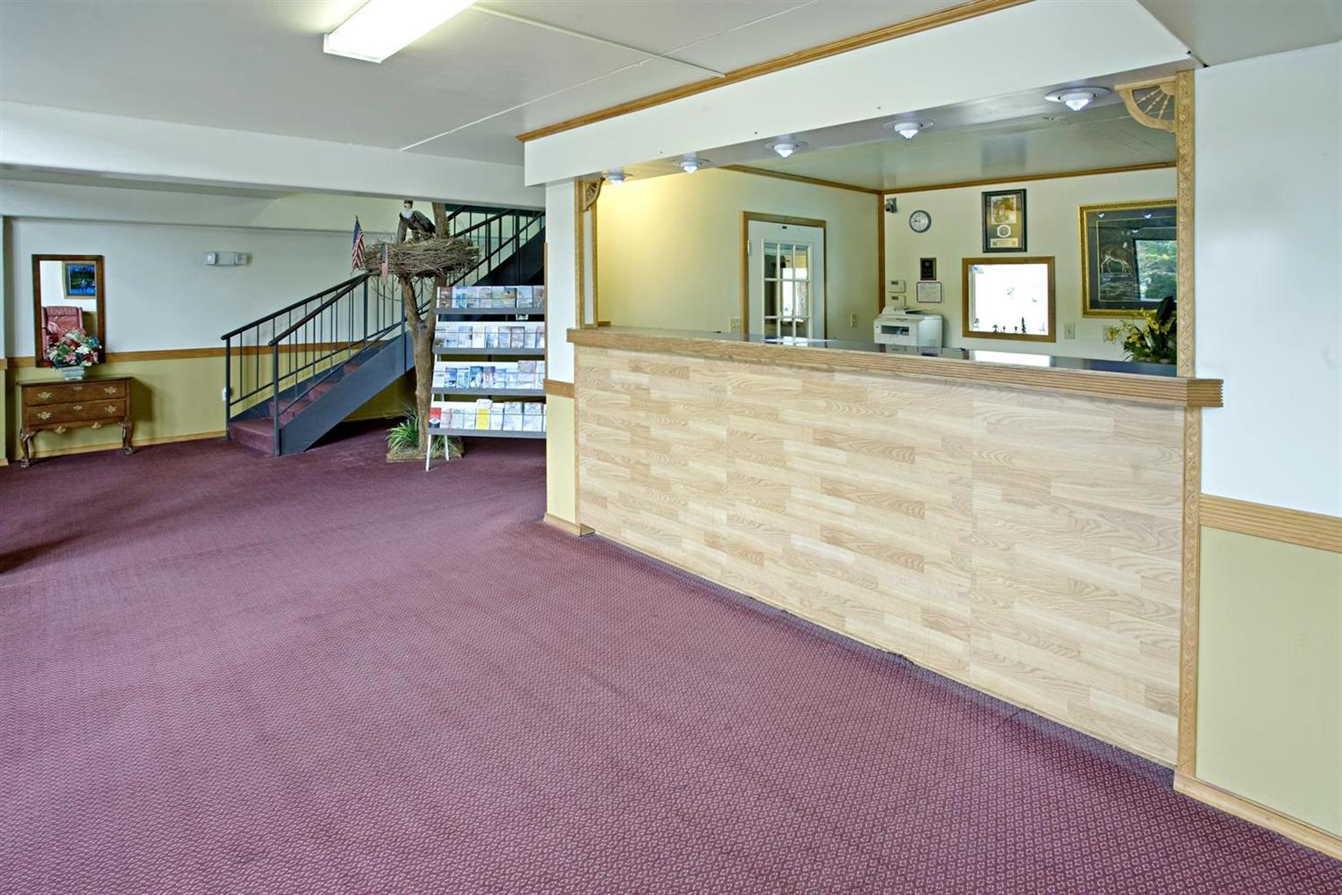 Lobby - Americas Best Value Inn Cambridge