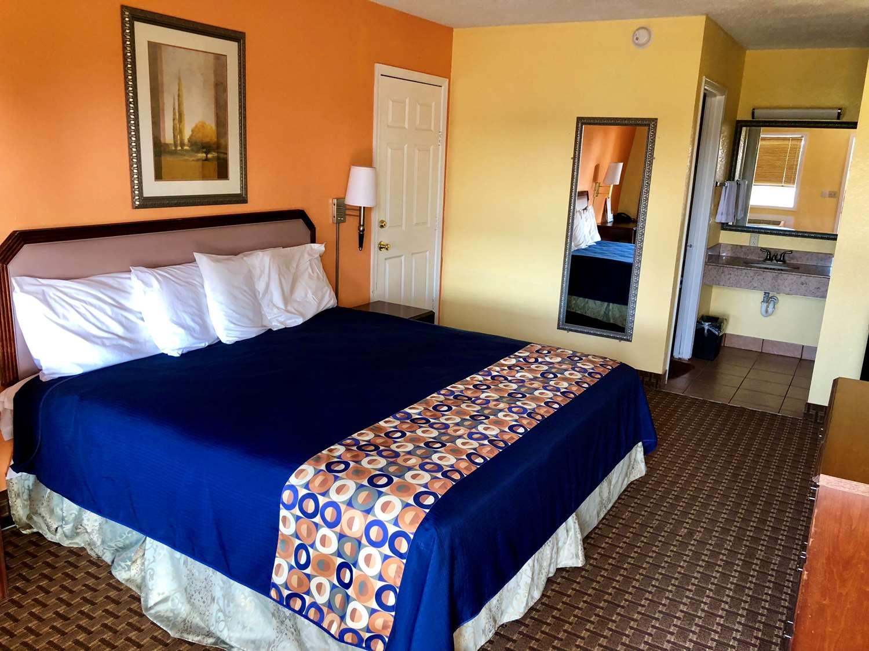 Room - Americas Best Value Inn Princess Anne