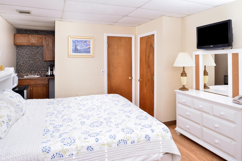 Room - Americas Best Value Inn Old Orchard Beach