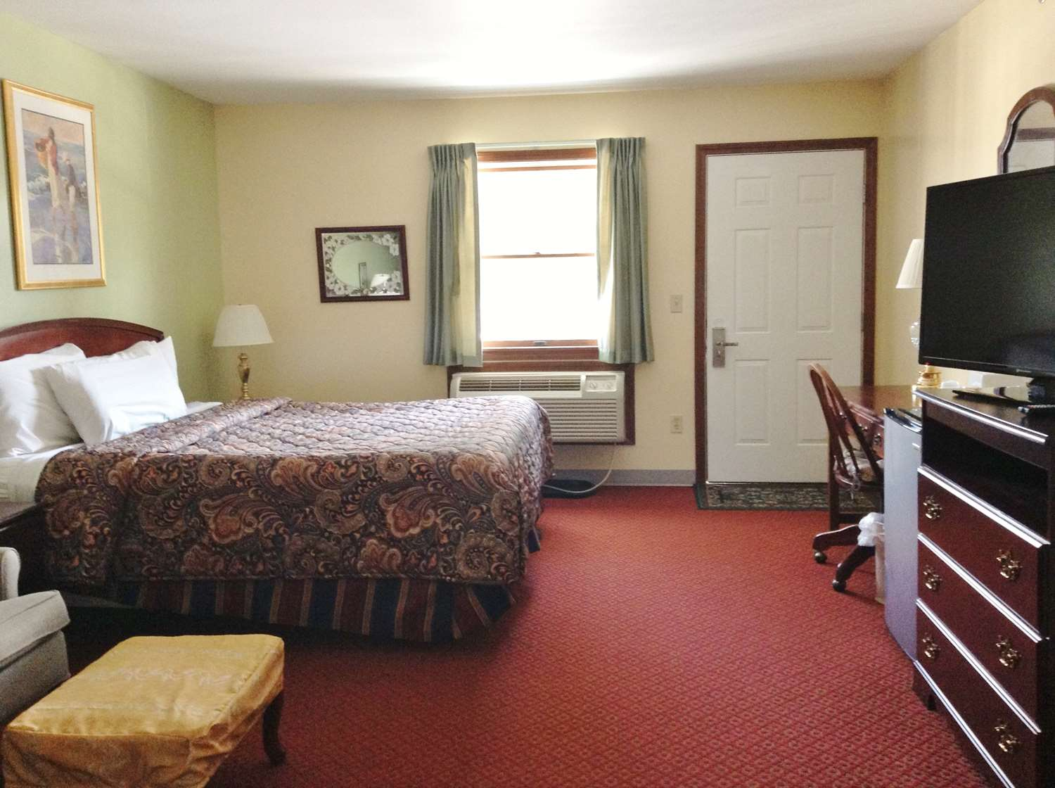 Room - Americas Best Value Inn Scarborough