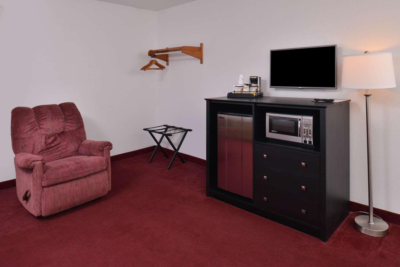 Suite - Americas Best Value Inn Birch Run