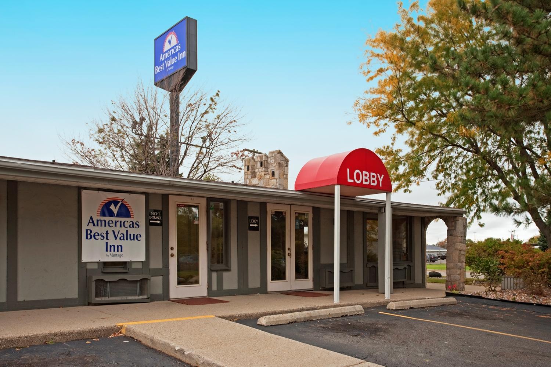 Exterior view - Americas Best Value Inn Lansing
