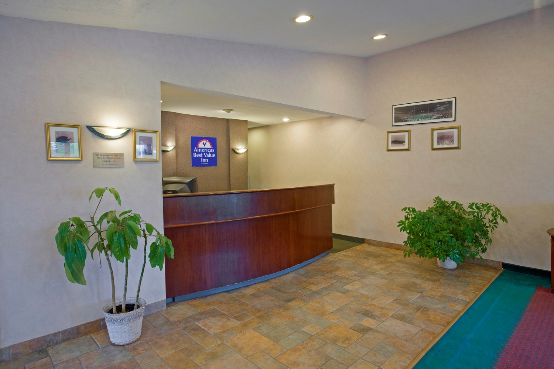 Lobby - Americas Best Value Inn Lansing