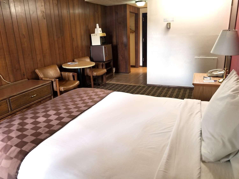 Room - Americas Best Value Inn Hinckley