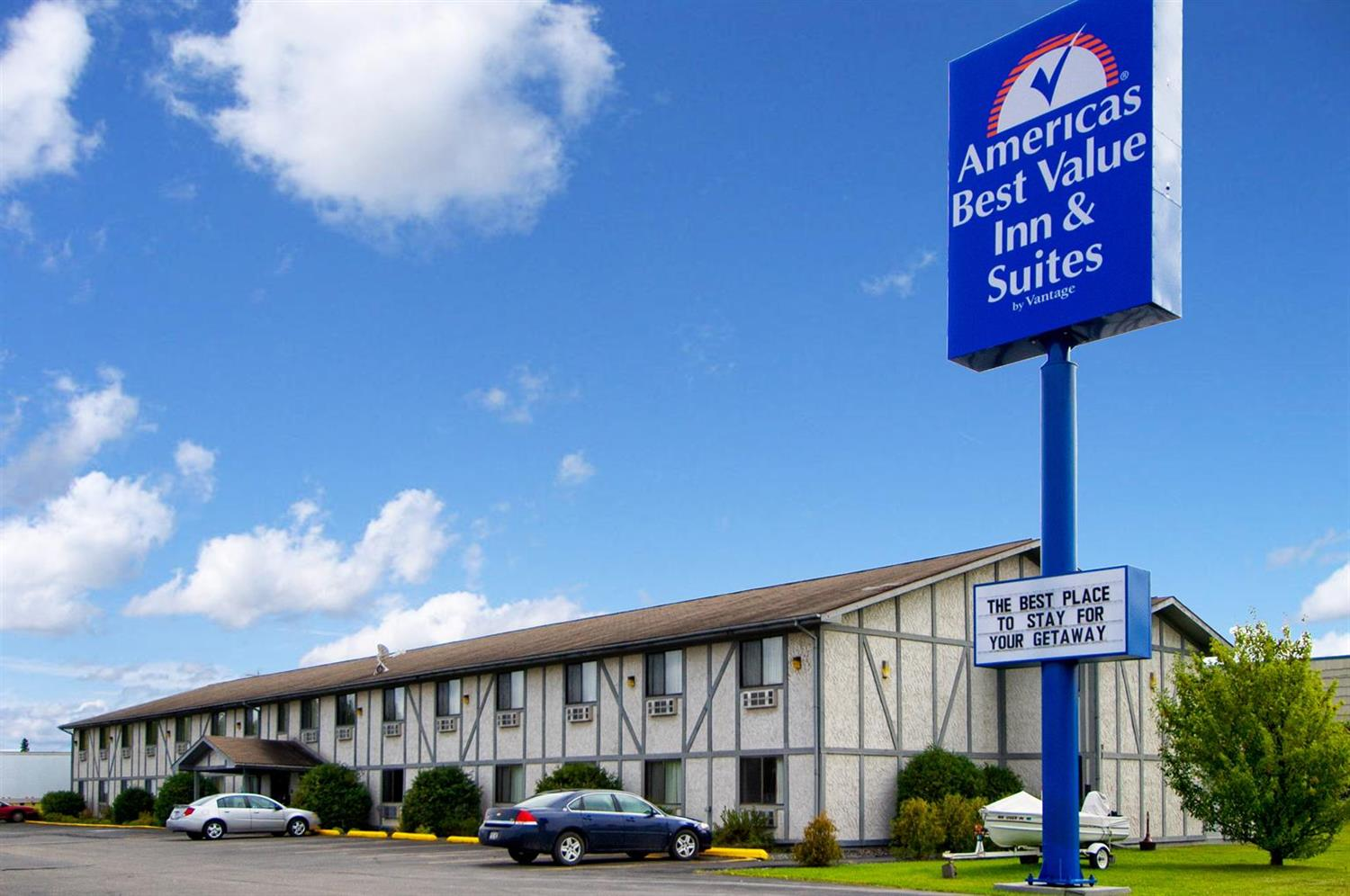 Exterior view - Americas Best Value Inn & Suites International Falls