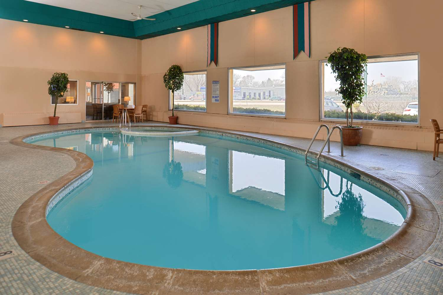 Pool - Americas Best Value Inn & Suites St. Cloud