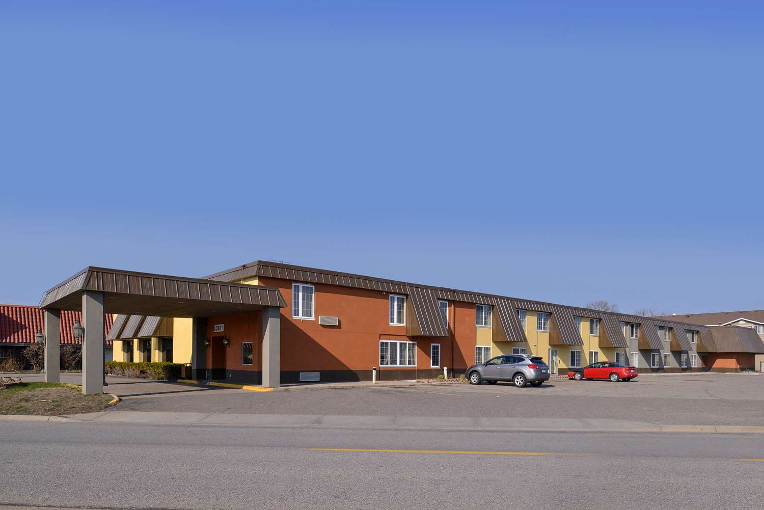 Exterior view - Americas Best Value Inn & Suites St. Cloud