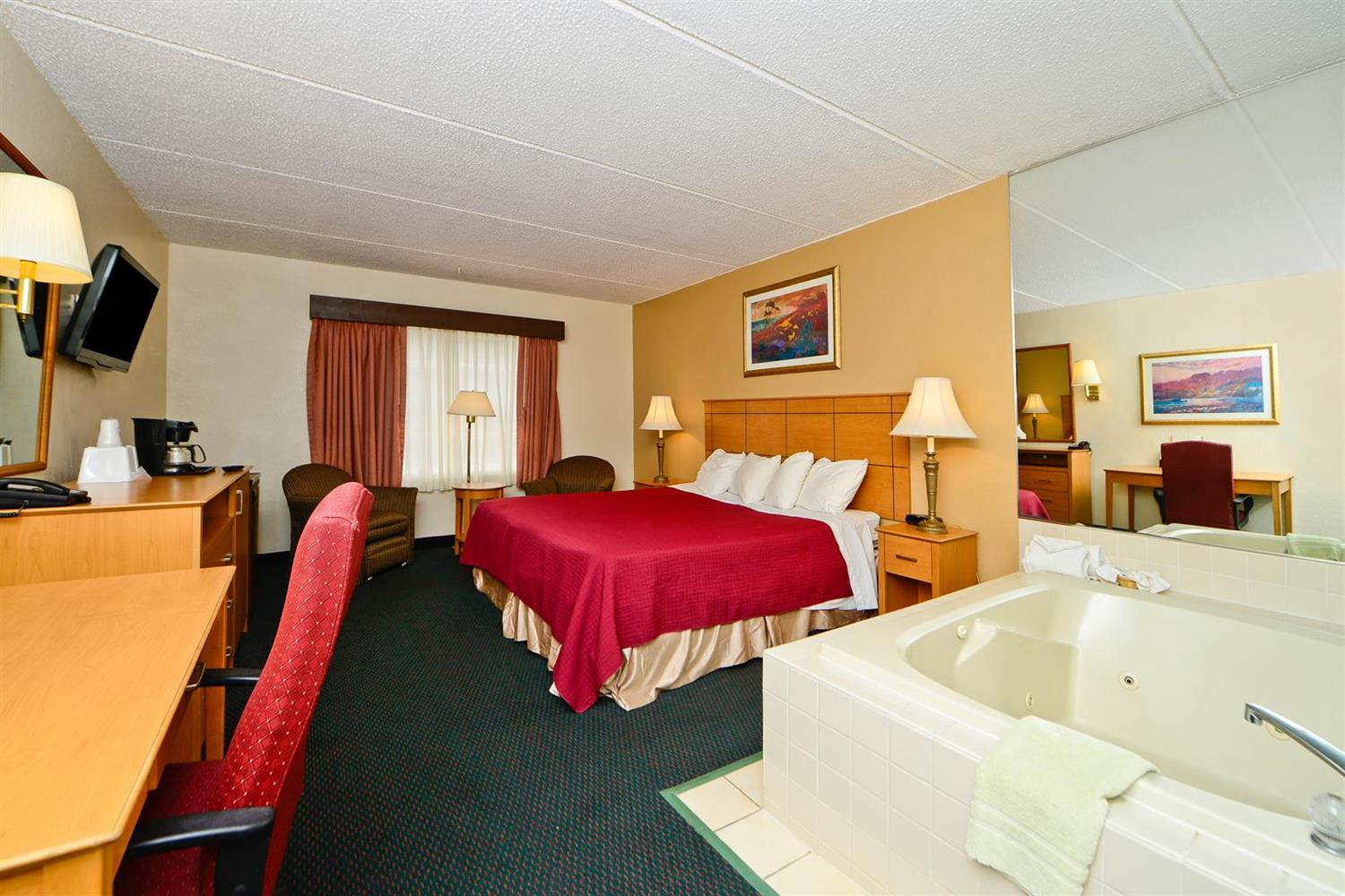 Suite - Americas Best Value Inn & Suites St. Cloud