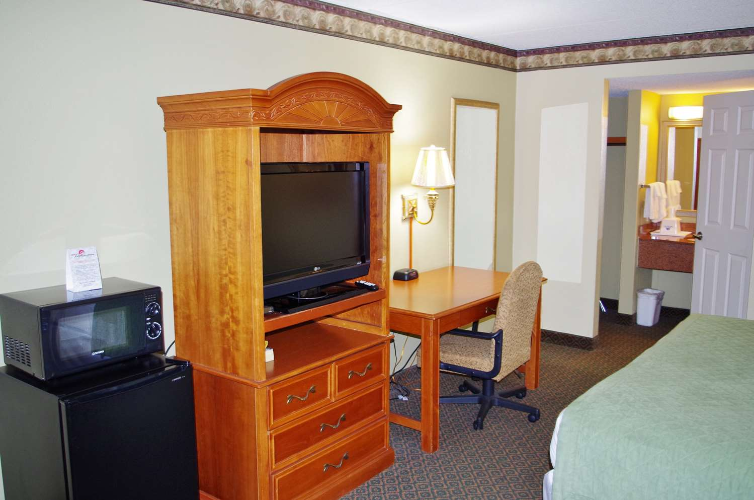 Amenities - Americas Best Value Inn Downtown St Louis