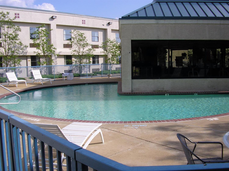 Pool - Americas Best Value Inn Robinsonville