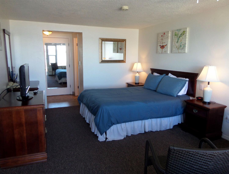 Room - Americas Best Value Inn Polson