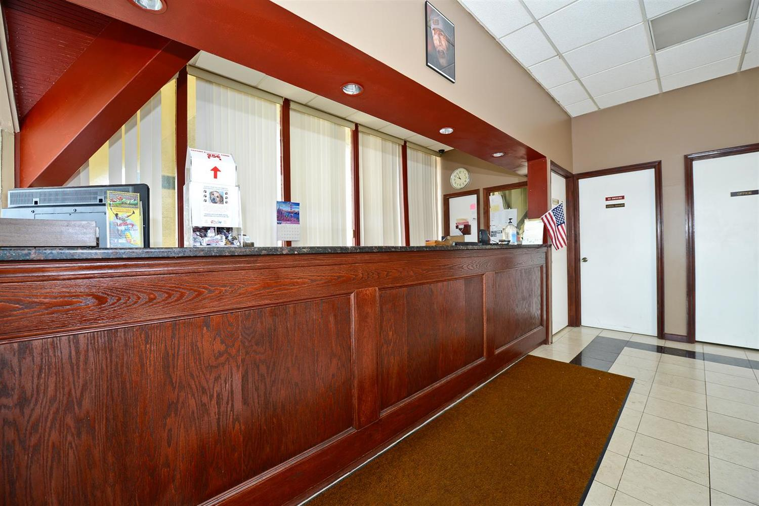 Lobby - Americas Best Value Inn Phillipsburg