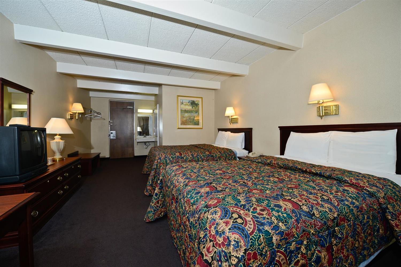 Room - Americas Best Value Inn Phillipsburg