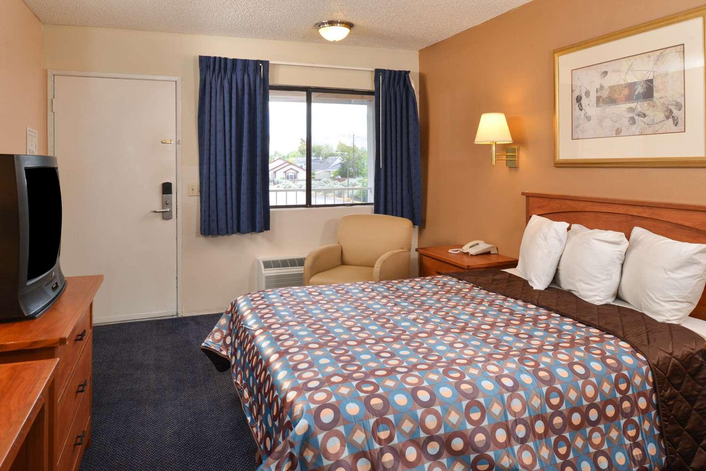 Room - Americas Best Value Inn Carson City