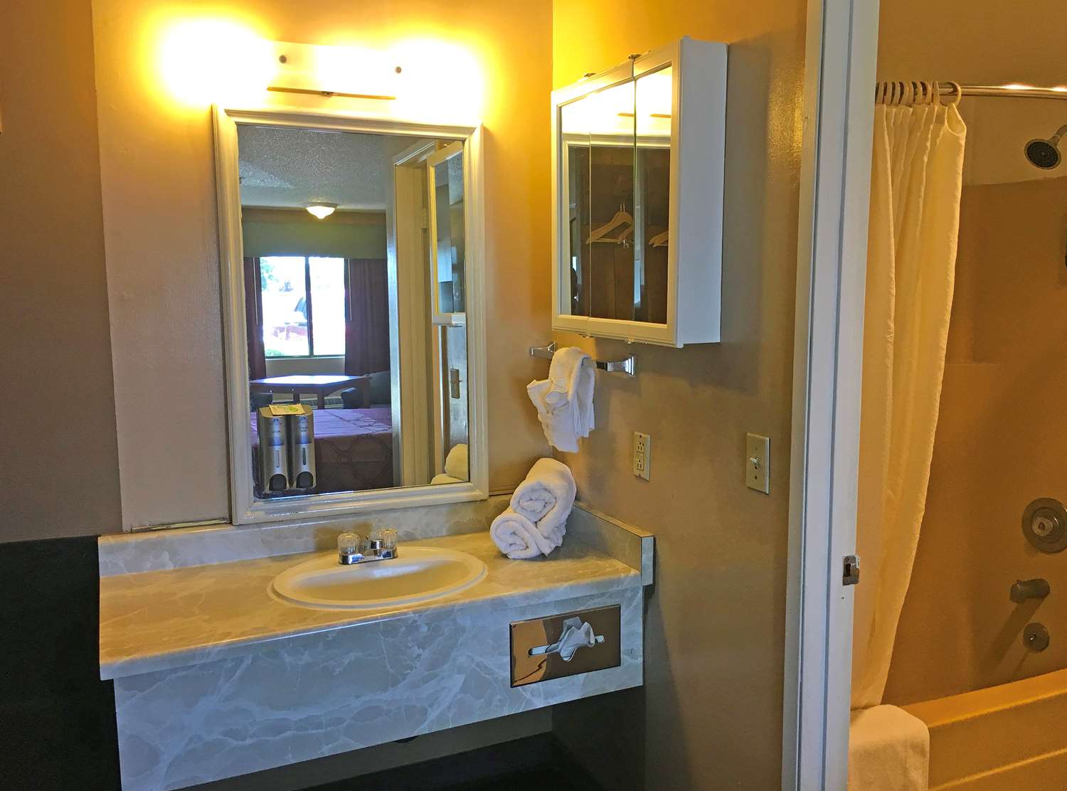 Americas Best Value Inn Carson City, NV - See Discounts