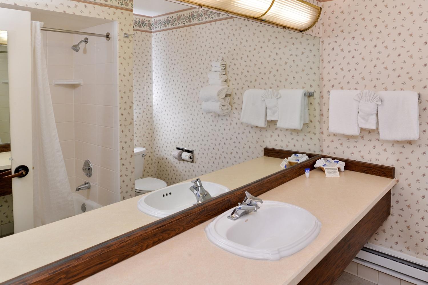 Room - Americas Best Value Gold Country Inn Elko