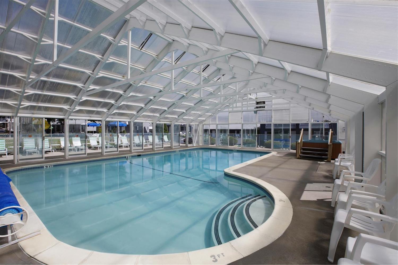 Pool - Americas Best Value Inn Lake George