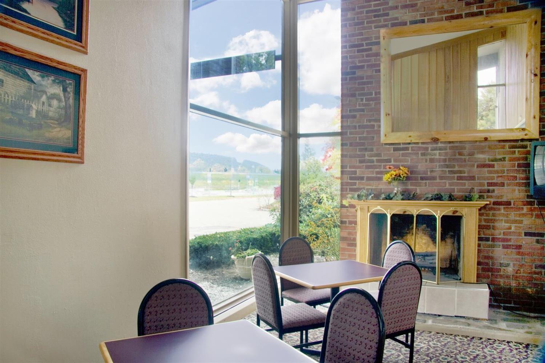 Meeting Facilities - Americas Best Value Inn Painted Post