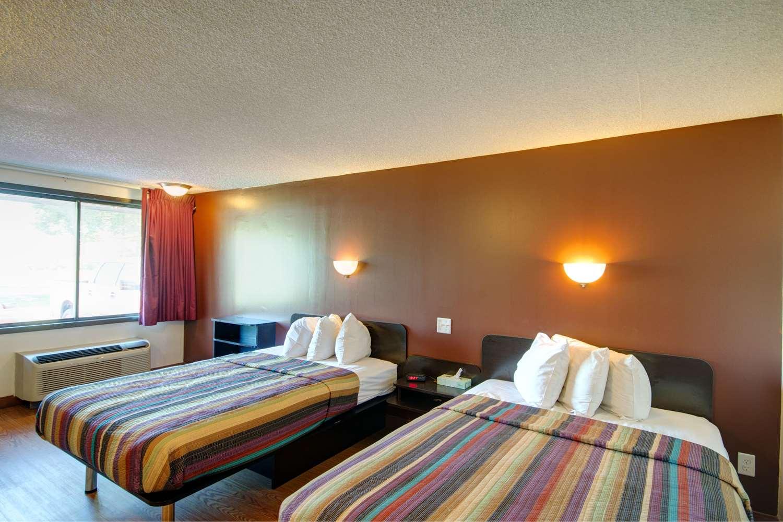 Room - Americas Best Value Inn Heath