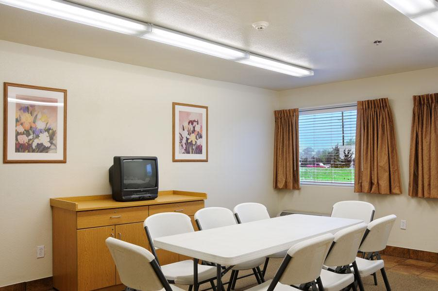 Meeting Facilities - Americas Best Value Inn & Suites Ada