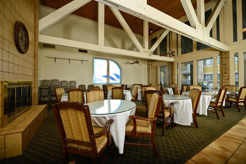 Restaurant - Americas Best Value Inn & Suites Tulsa
