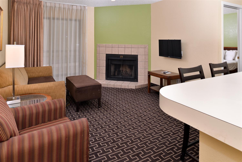 Suite - Americas Best Value Inn & Suites Tulsa