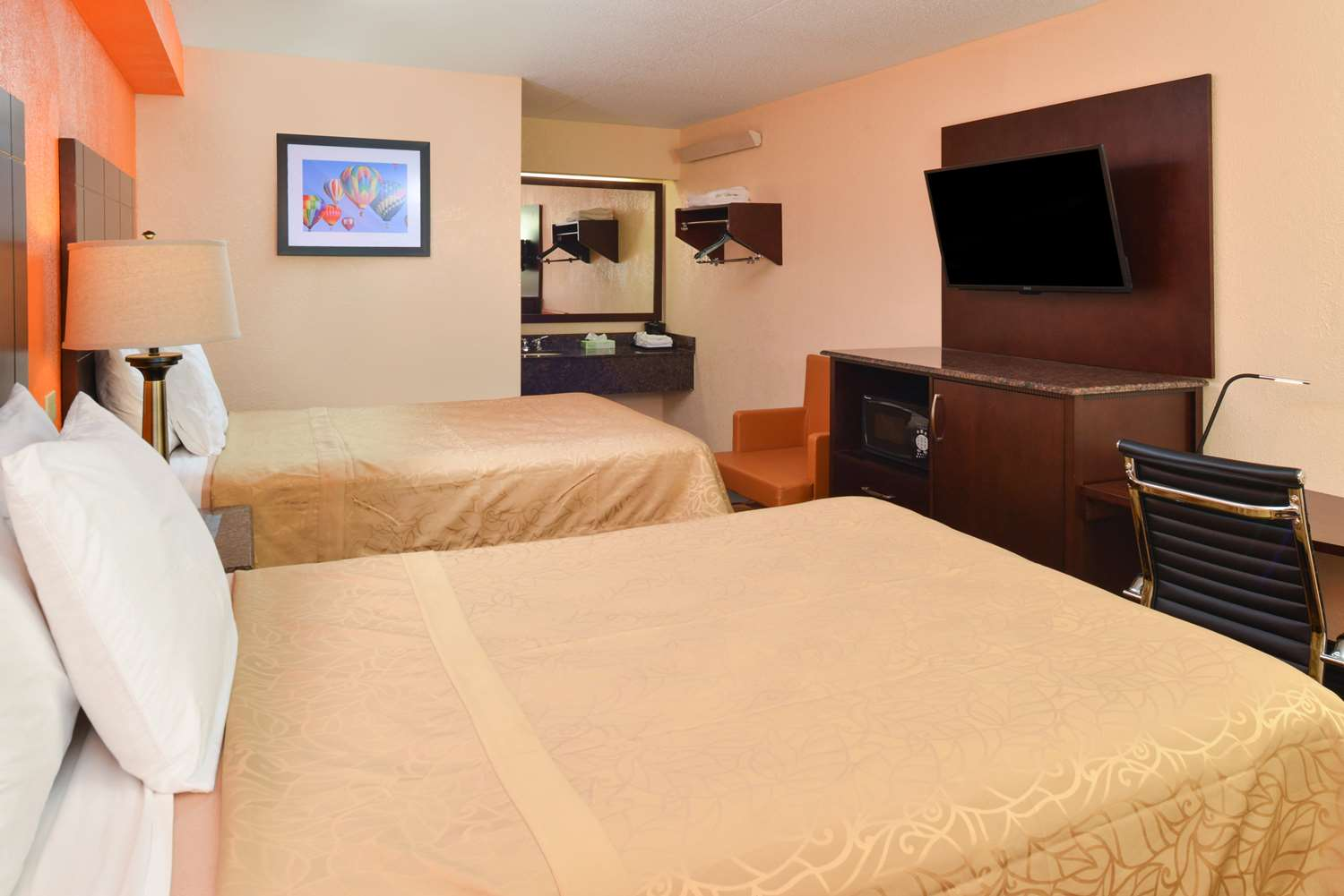 Room - Americas Best Value Inn