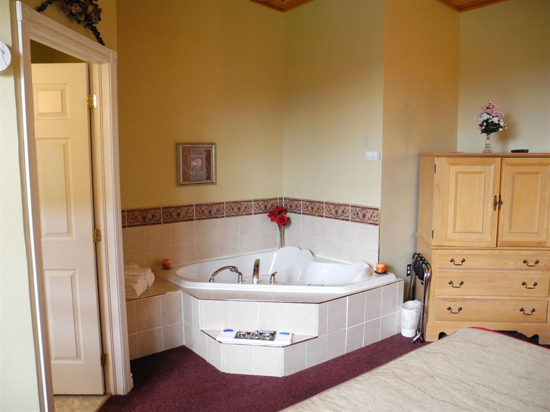 Suite - Canadas Best Value Inn & Suites Summerside