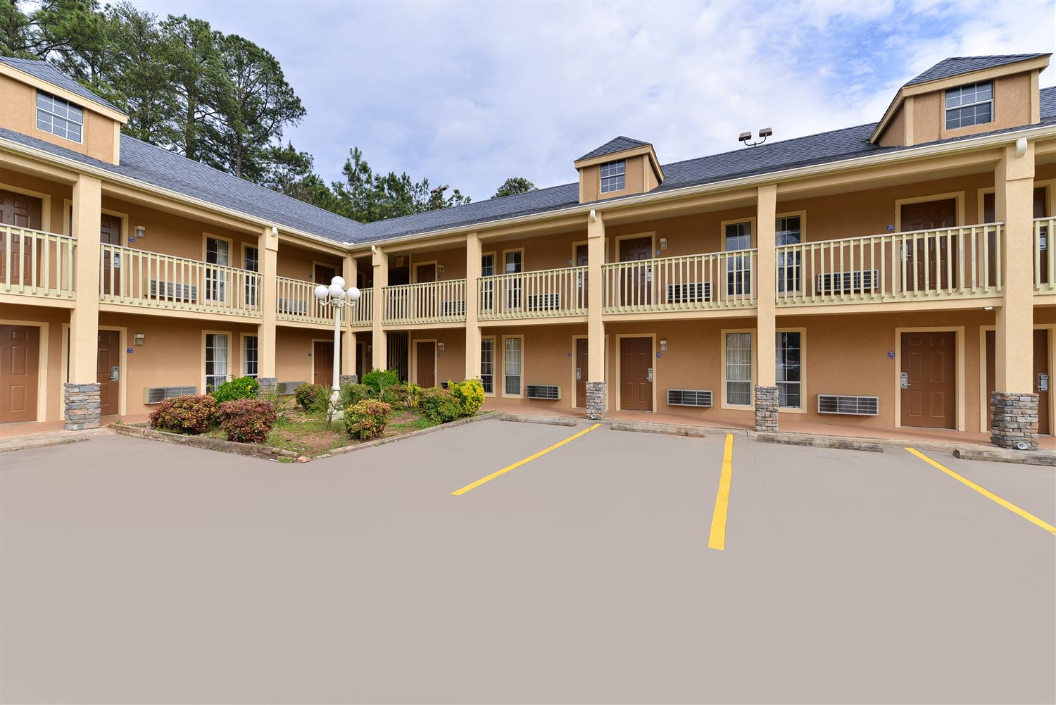 Exterior view - Americas Best Value Inn Anderson