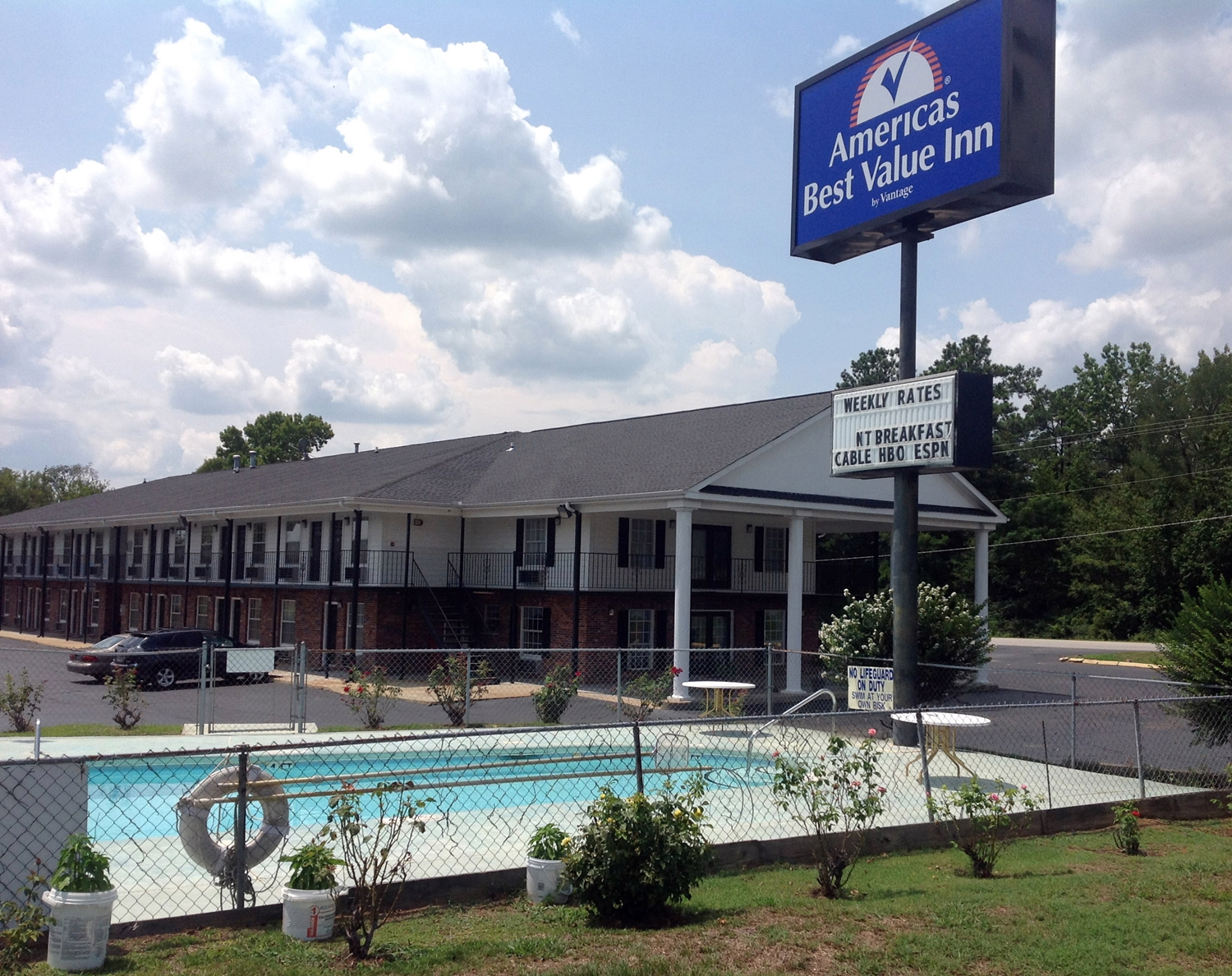Pool - Americas Best Value Inn Winnsboro