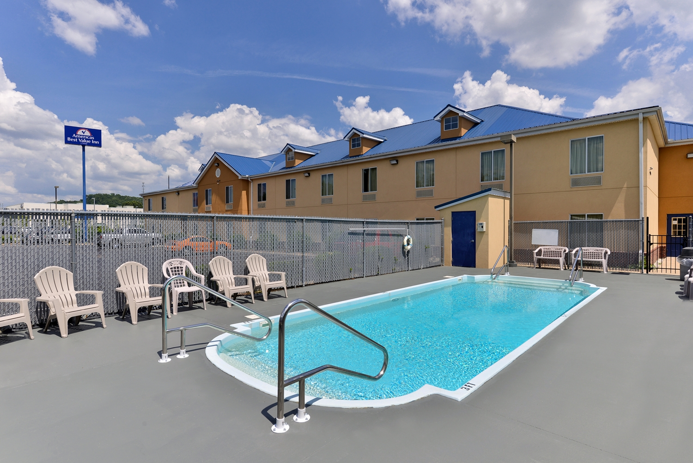 Pool - Americas Best Value Inn Chattanooga