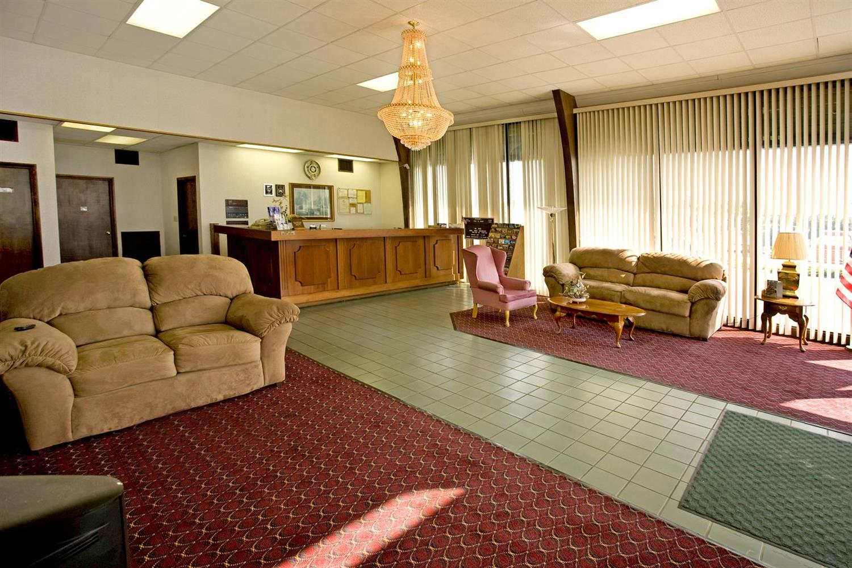 Lobby - Americas Best Value Inn Cookeville