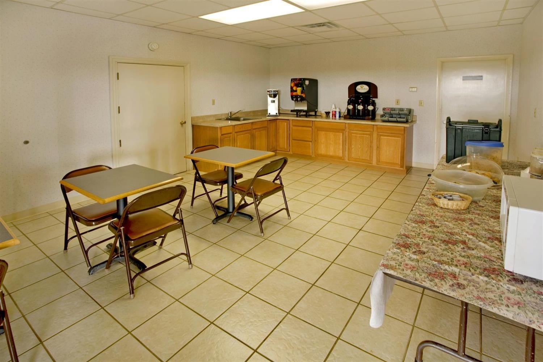 Restaurant - Americas Best Value Inn Cookeville