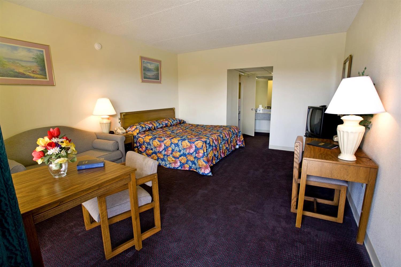 Room - Americas Best Value Inn Cookeville